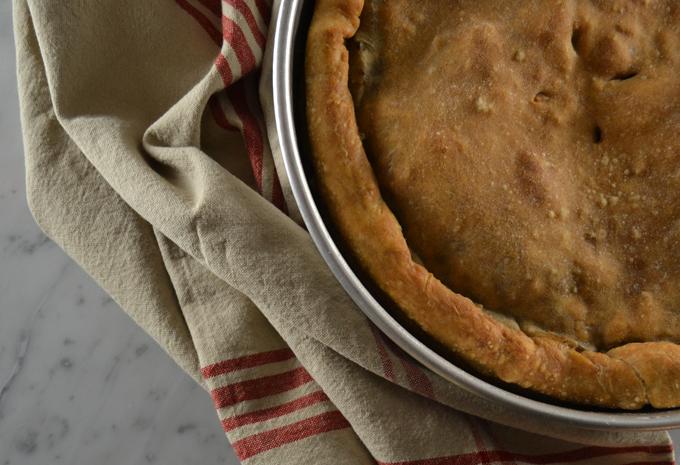 Escarole Pie or Pizza di Scarole | labellasorella.com